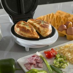 Elgento E27011N Non Stick Omelette Maker White